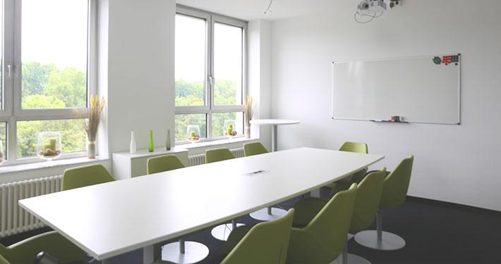 konferenzraum im grünen